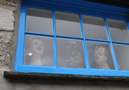 Das gruselige Frauenfenster